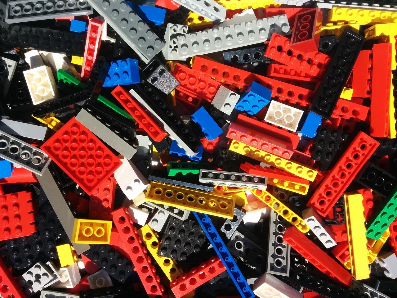 CANCELED: Lego Club (ages 4-11)