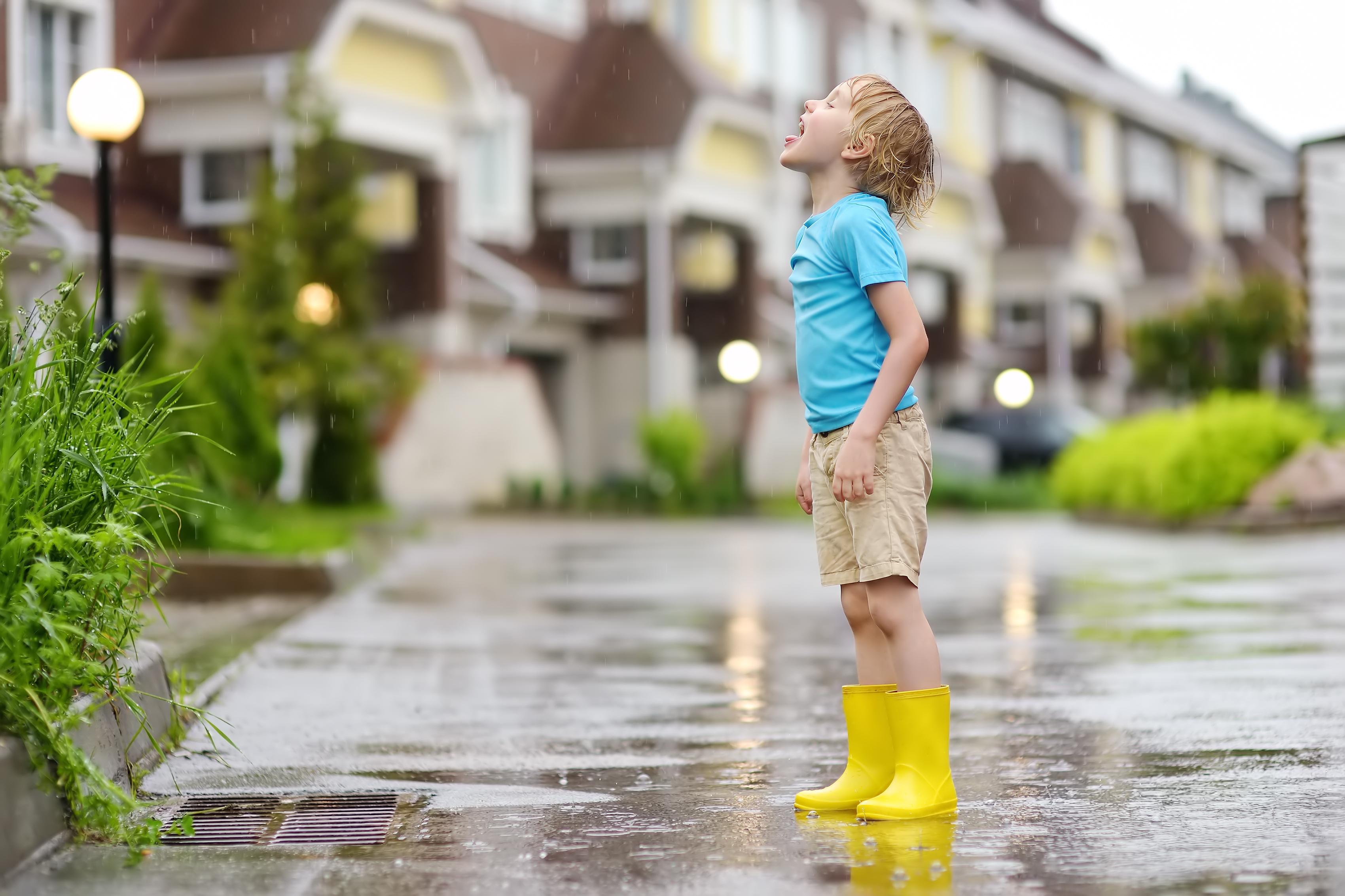 StoryShorts:  Splash Go the Raindrops!